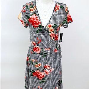 Dresses & Skirts - Floral Wrap Dress w/Cap Sleeves